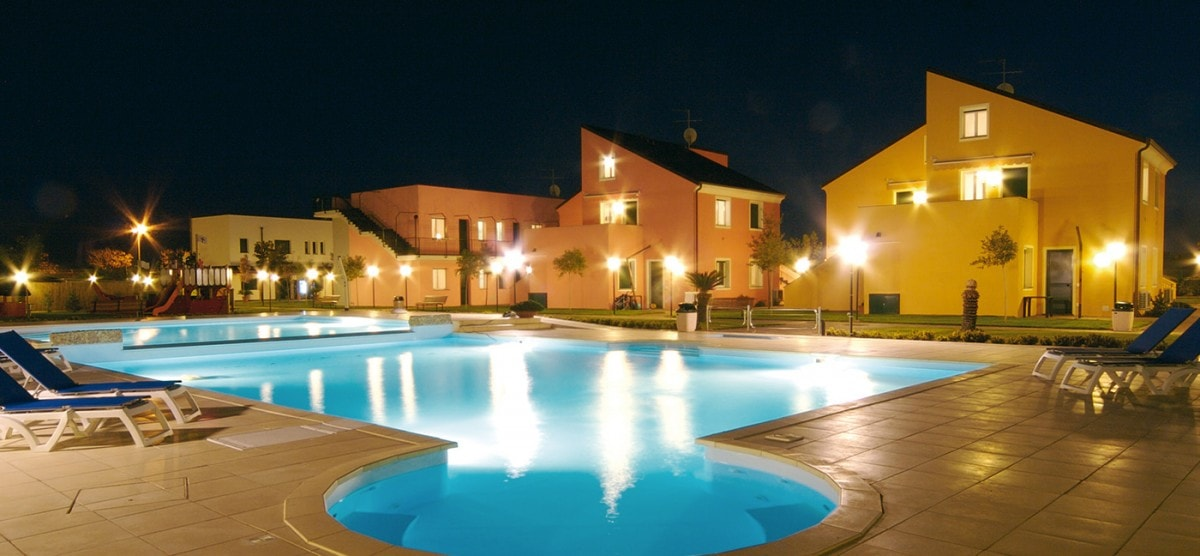 Relax in Borgomare at the SPA and at 2 large pools with lifeguard